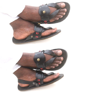 adehye-slipper_sandal-black
